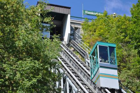 old-quebec-funicular-funicular-railway-old-quebec-neighbourhood-city-quebec-canada-links-upper-town-to-lower-town-30094826